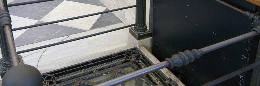 tomba del santo nel vecchio santuario